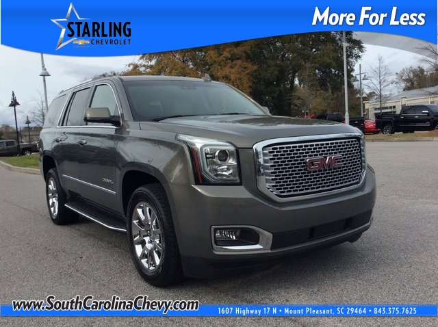Pre-Owned 2017 GMC Yukon Denali With Navigation
