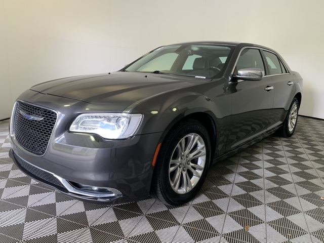 Pre-Owned 2016 Chrysler 300C Base With Navigation