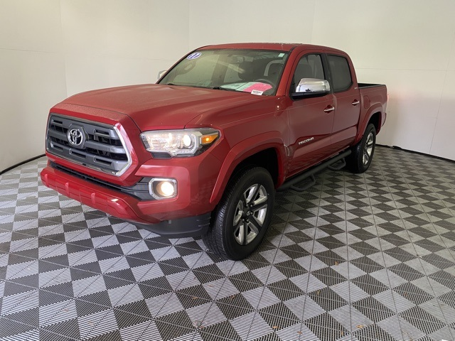 Pre-Owned 2017 Toyota Tacoma Limited With Navigation